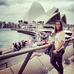 sydney opera house tourist