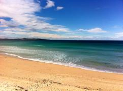 cronulla beach blue skies blue water