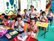 happy thai students