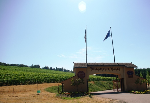 Willamette_Valley_Vineyards_entrance